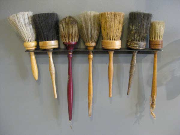 brushes-antique.jpg